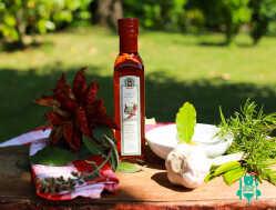 1560858216-olio-extravergine-di-oliva-all-aglio-e-peproncino-masciantonio-abruzzo.jpg