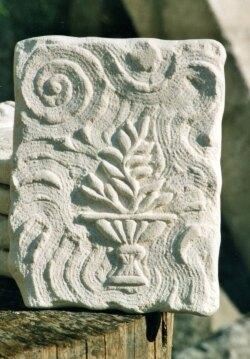 arte-in-pietra-bianca-bassorilievo.jpg