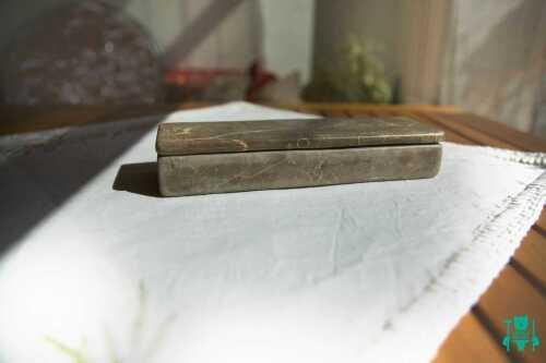 arte-in-pietra-scura-porta-gioie-3.jpg