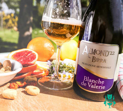 blanche-de-valerie-almond-birra-artigianale-2.jpg