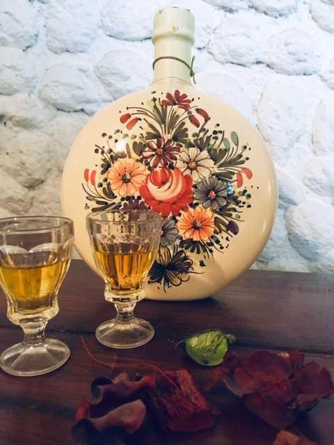 genziana-bottiglia-ceramica.jpeg