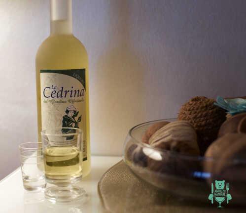 liquore-alla-cedrina-amaro-digestivo-abruzzo.jpg