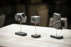 scultura-astratta-in-ferro-battuto-gruppo.jpg