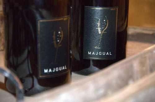 1507023649-majgual-spumante-abruzzese-metodo-classico--cantina-fausto-zazzara.jpg
