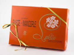 1507624146-132-lullo--paste-di-mandorle.jpg