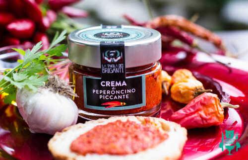 crema-di-peperoncino-piccante-la-tavola-dei-briganti-peperone-dolce-di-altino-spezie-4.jpg