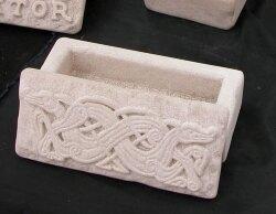 pietra-abruzzese-scrigno-dragoni.jpg